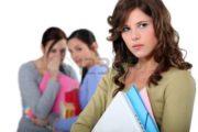 Emergenza scuola: ragazza vittima di bullismo.
