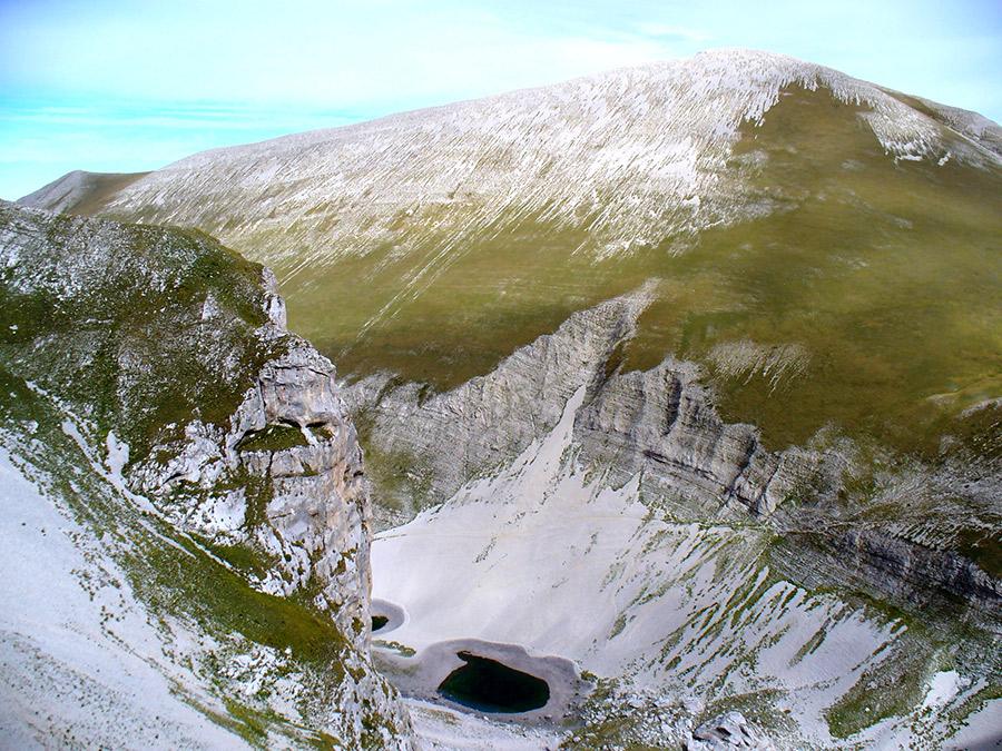 Marche&Siccità. Monti Sibillini:prosciugato il Lago di Pilato