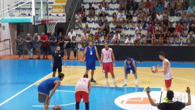 Roseto Basket pre-campionato. Convincente la vittoria degli Sharks contro Pescara