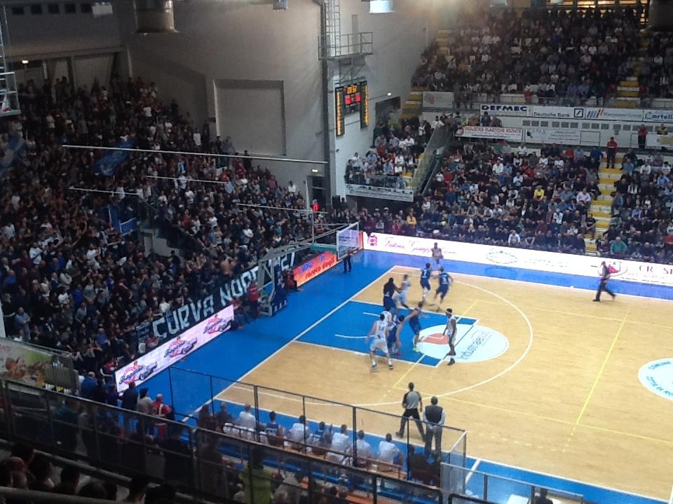 Roseto Basket. Contro il Ravenna, primo primo scivolone (75-82) degli Sharks
