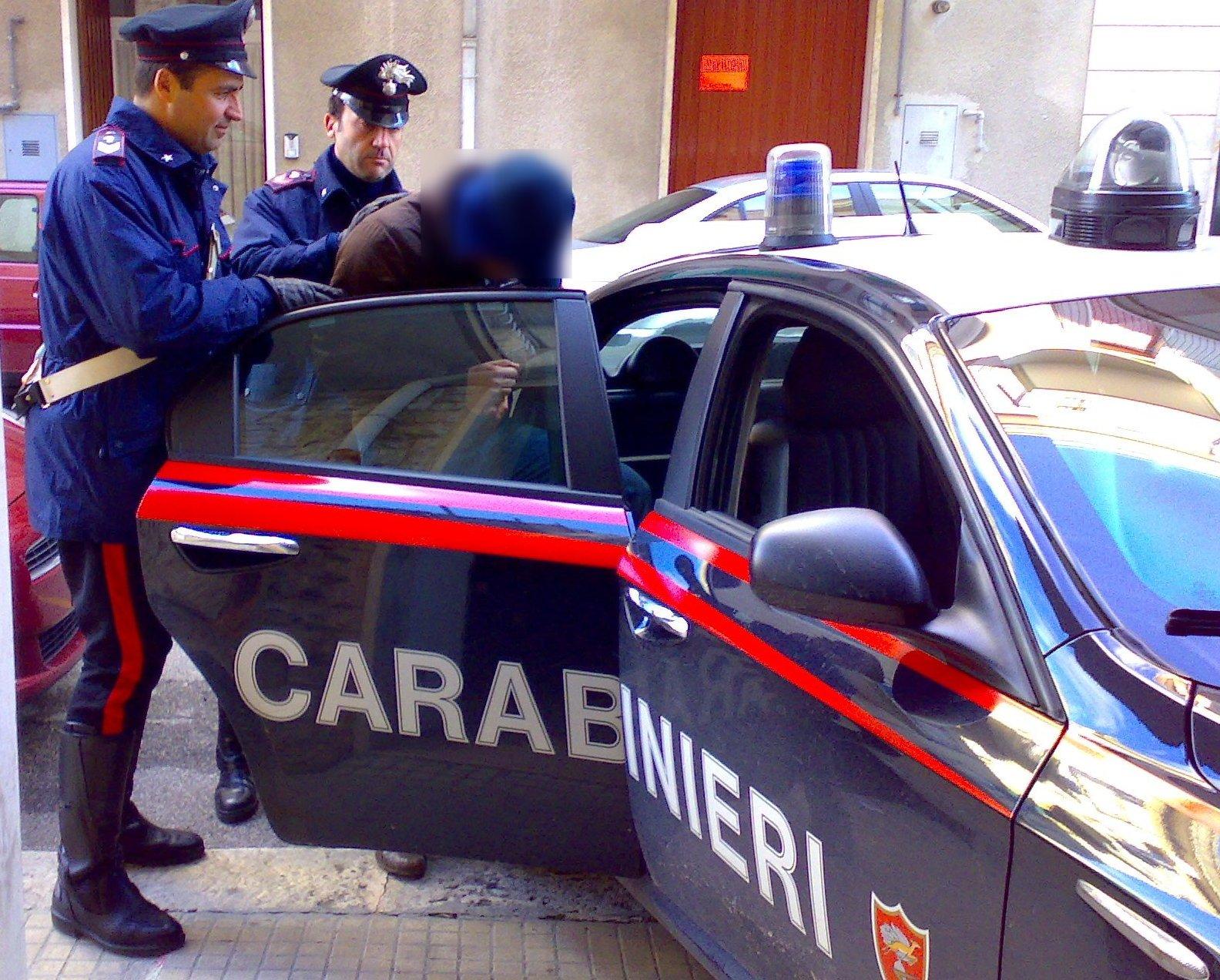 Due arresti per spaccio di droga:detenevano hascisc e marijuana