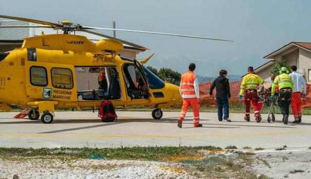 Incidente sul lavoro:vola dal capannone: è grave e ricoverato all'Ospedale
