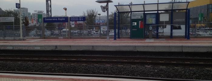 Donna perde l'orientamento e finisce a piedi sui binari della ferrovia