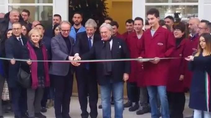 Terremoto. Il Presidente del Consiglio Gentiloni inaugura la nuova fabbrica Tod's