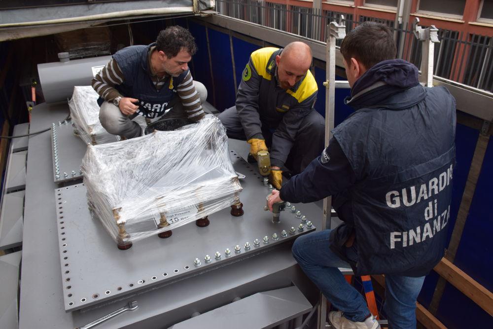 GDF&Dogane sequestrano 5,2 tonnellate di sigarette imbarcate in Grecia