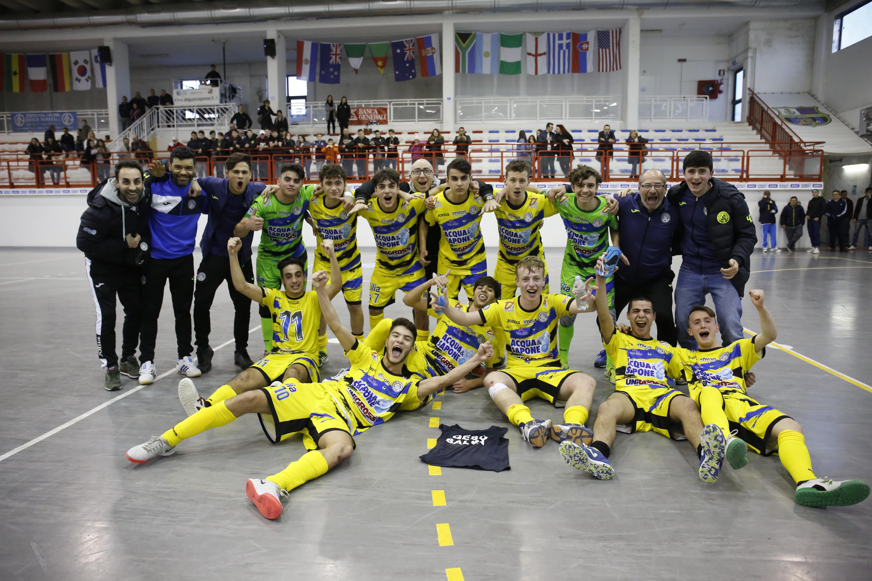 Calcio a 5. Acqua&Sapone&Festa Allievi: la squadra di Junior è campione d'Abruzzo