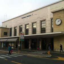 Spacciavano droga davanti la stazione: due arresti