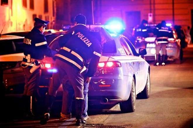 Movida pericolosa: in auto con musica a tutto volume e alcool. Due giovani arrestati