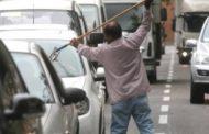 Lavavetri troppo insistenti: rivolta degli automobilisti