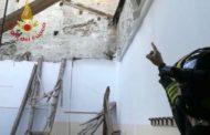 Scuola sempre più a pezzi: cade il tetto dell'ITI di Fermo. Sfiorata la tragedia/FOTO