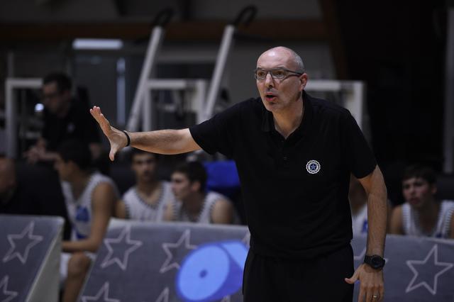 Roseto Basket. Il nuovo Coach D'Arcangeli scrive una lettera aperta ai tifosi