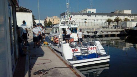 Trovato il corpo del ragazzo di 26 anni disperso in mare. Avvistato da un pescatore