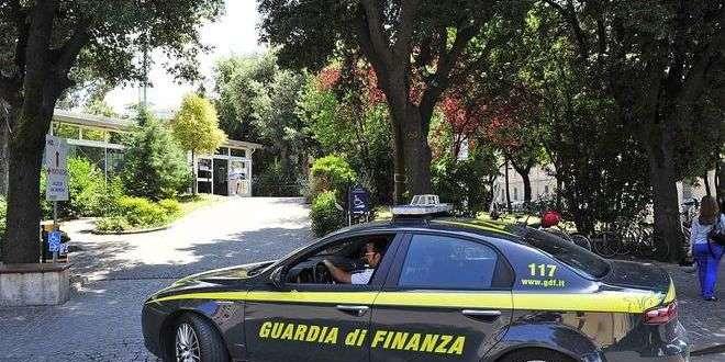 Aveva 36 dosi di cocaina in casa: la GDF arresta una persona