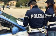 Fugge in auto con i figli minori e provoca un grave incidente:fermato dalla Polizia di Stato