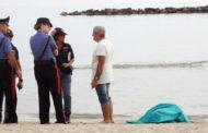 Donna trovata morta sulla spiaggia: ha 71 anni ed è stata identificata dal figlio