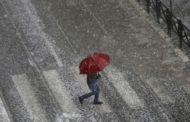 Abruzzo maltempo. Forte pioggia e grandine come palline da ping pong. Autostrade: tutti al riparo nelle gallerie