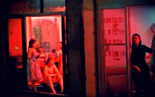 Giro di prostitute: cinque a giudizio per i centri estetici