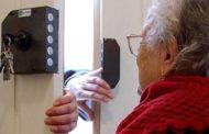 Raggirano anziana invalida: rubano gioielli e si fanno intestare beni. Sette ragazzi alla sbarra
