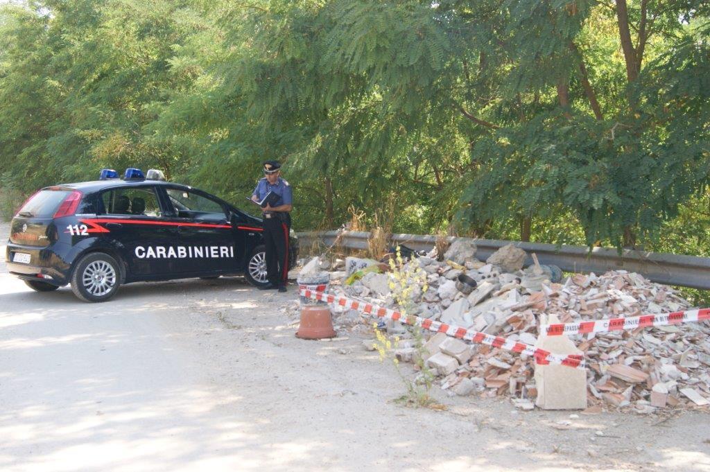 I Carabinieri Forestali sequestrano discarica abusiva di rifiuti pericolosi