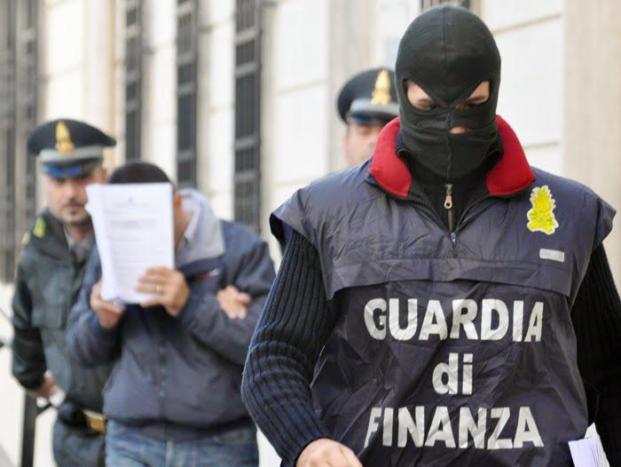 Camorra in Abruzzo: in corso una raffica di arresti. Sequestri preventivi per 700 milioni di euro