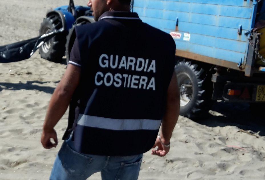 Militari Ufficio Marittimo scoprono chalet senza bagnino: multa salatissima e rischio chiusura