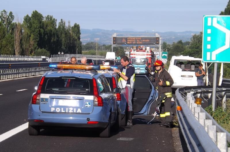 Incidente stradale sulla A14: è rimasta chiusa per un'ora