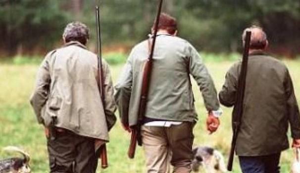 Spara per errore ad una contadino: cacciatore nei guai