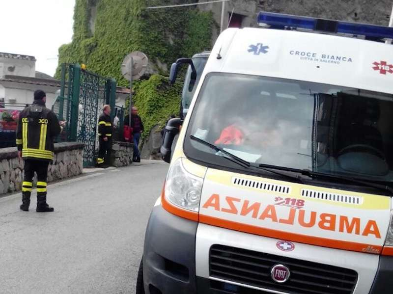 Grave incidente stradale: muore un quindicenne