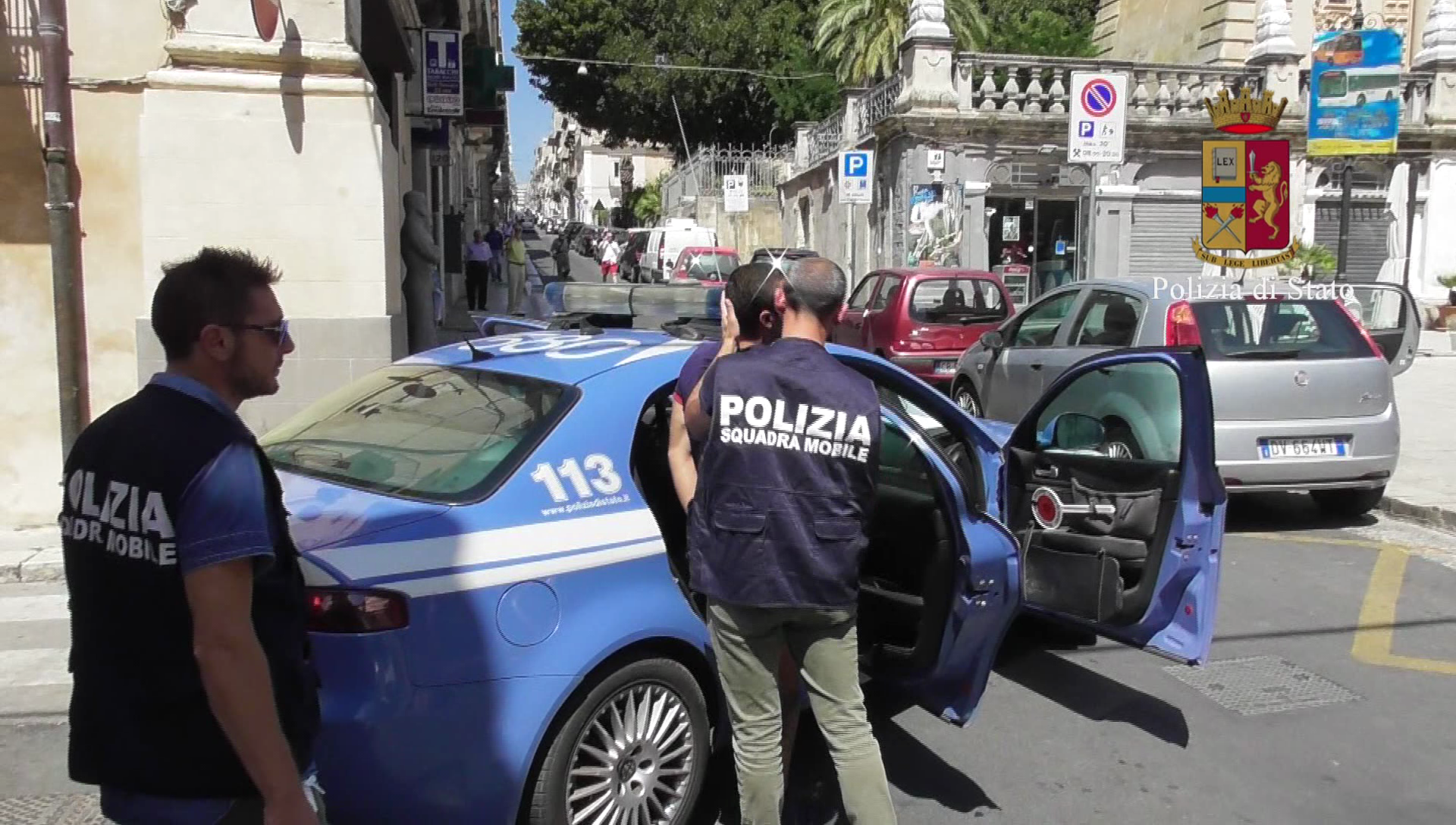 La Squadra Mobile smantella una banda di spacciatori: Nove arrestati