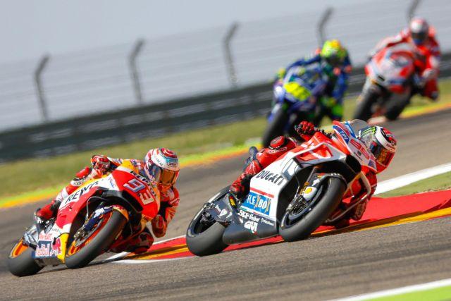 MotoGp: Rossi cade e si ritira, ma vince Dovizioso. In Moto3 l'ascolano Fenati è primo