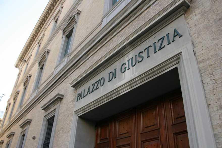 Pittrice abruzzese scomparsa: indagati ex marito e figlio