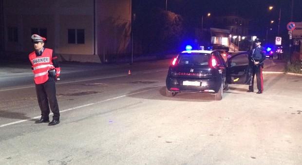 Travolta da un 'auto mentre cammina sul bordo della strada: muore ragazza di 19 anni