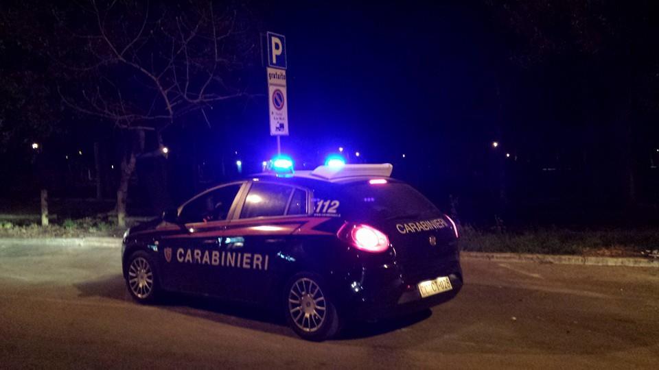 Trovato sangue vicino ad un'auto: si ipotizza un accoltellamento nella notte