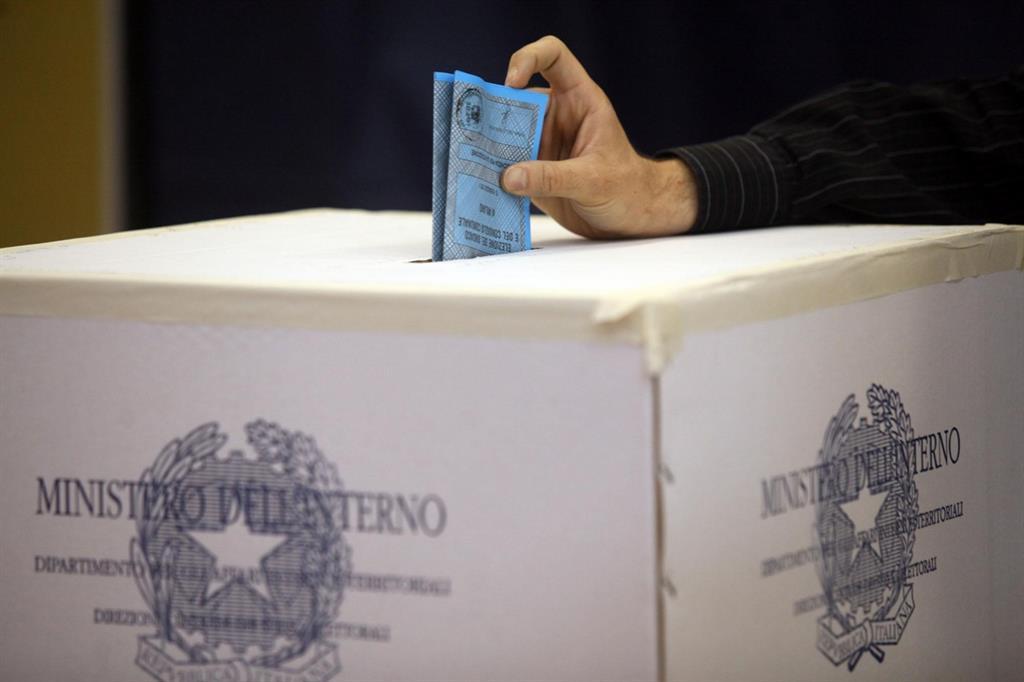 Abruzzo elezioni. Seggi regolarmente aperti:un milione 45mila e 163 gli abruzzesi al voto