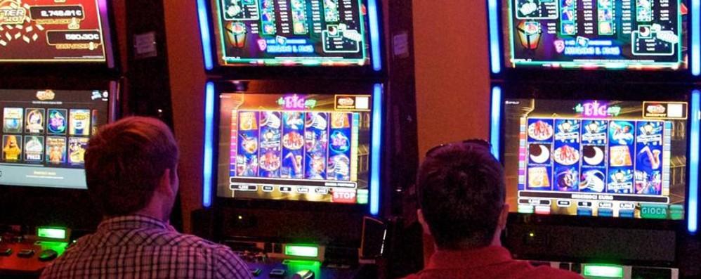 Tenta una rapina in una sala di Slot Machine: la commessa mette in fuga il bandito