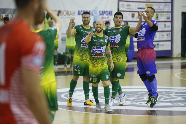 Calcio a 5. Acqua&Sapone e andata dei quarti di finale: vinto il primo round con 5 a 2 al Pesaro