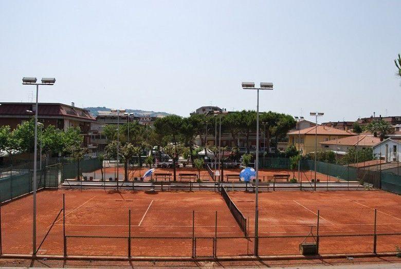 Martinsicuro&Polivalente di Tennis. Iniziati i lavori nell'area sportiva