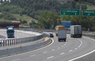 Uomo accusa ictus al volante sulla A14: salvato dalla Polizia Stradale
