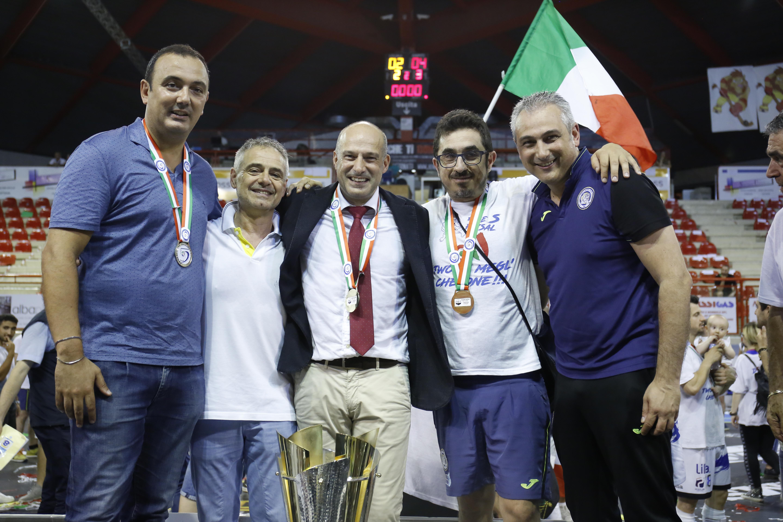 Calcio a 5. Acqua&Sapone:il tecnico spagnolo Tino Pérez firma un altro anno di contratto