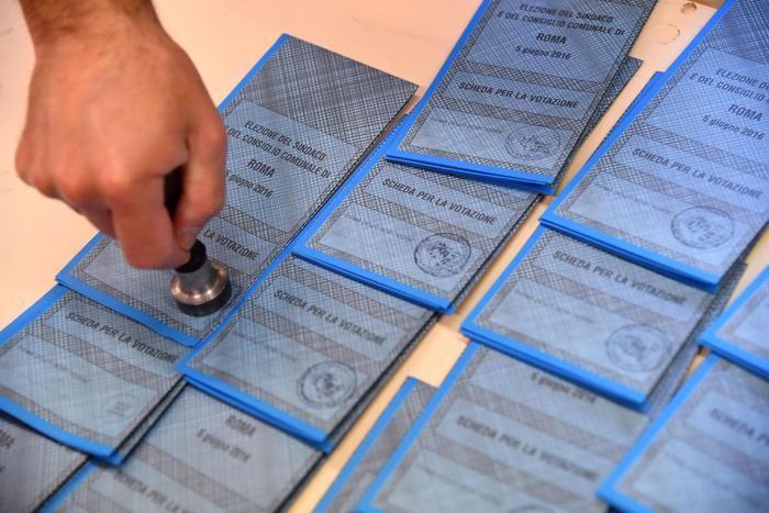 Marche. In 120 mila ai ballottaggi: sfide ad Ancona, Porto Sant'Elpidio e Falconara