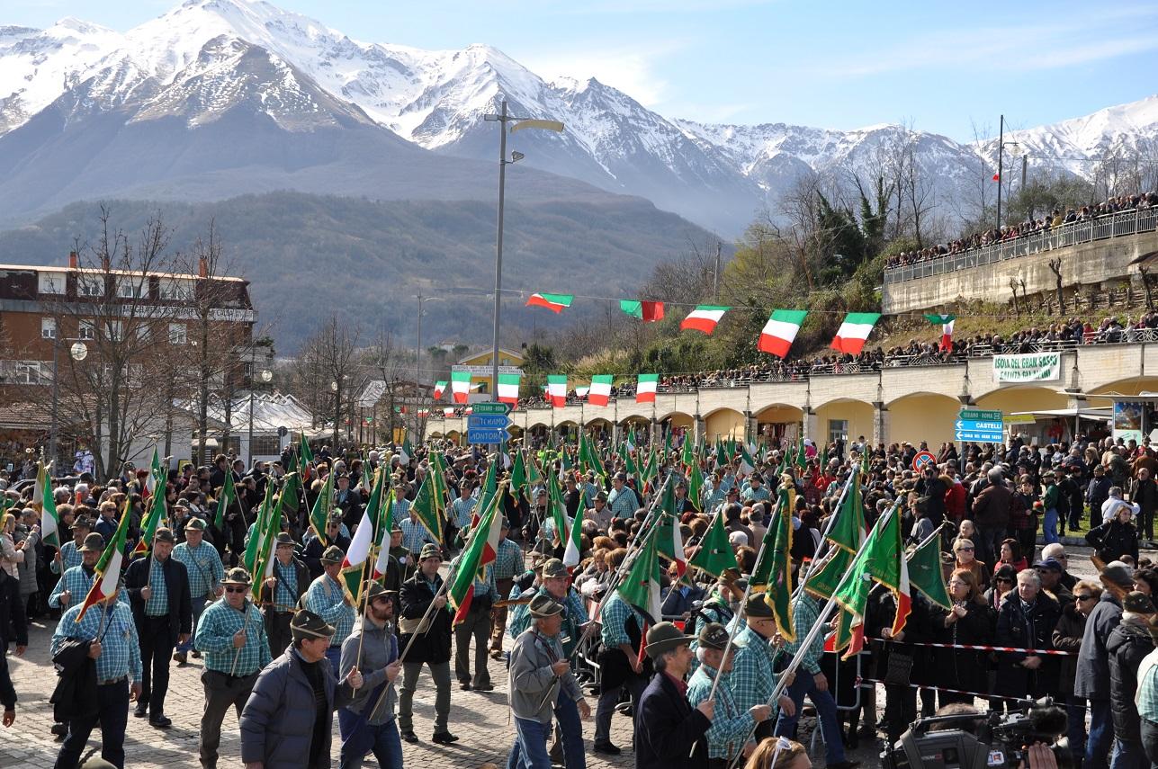 Cermignano. Per commemorare i caduti della grande guerra:raduno degli Alpini della IX zona di Teramo
