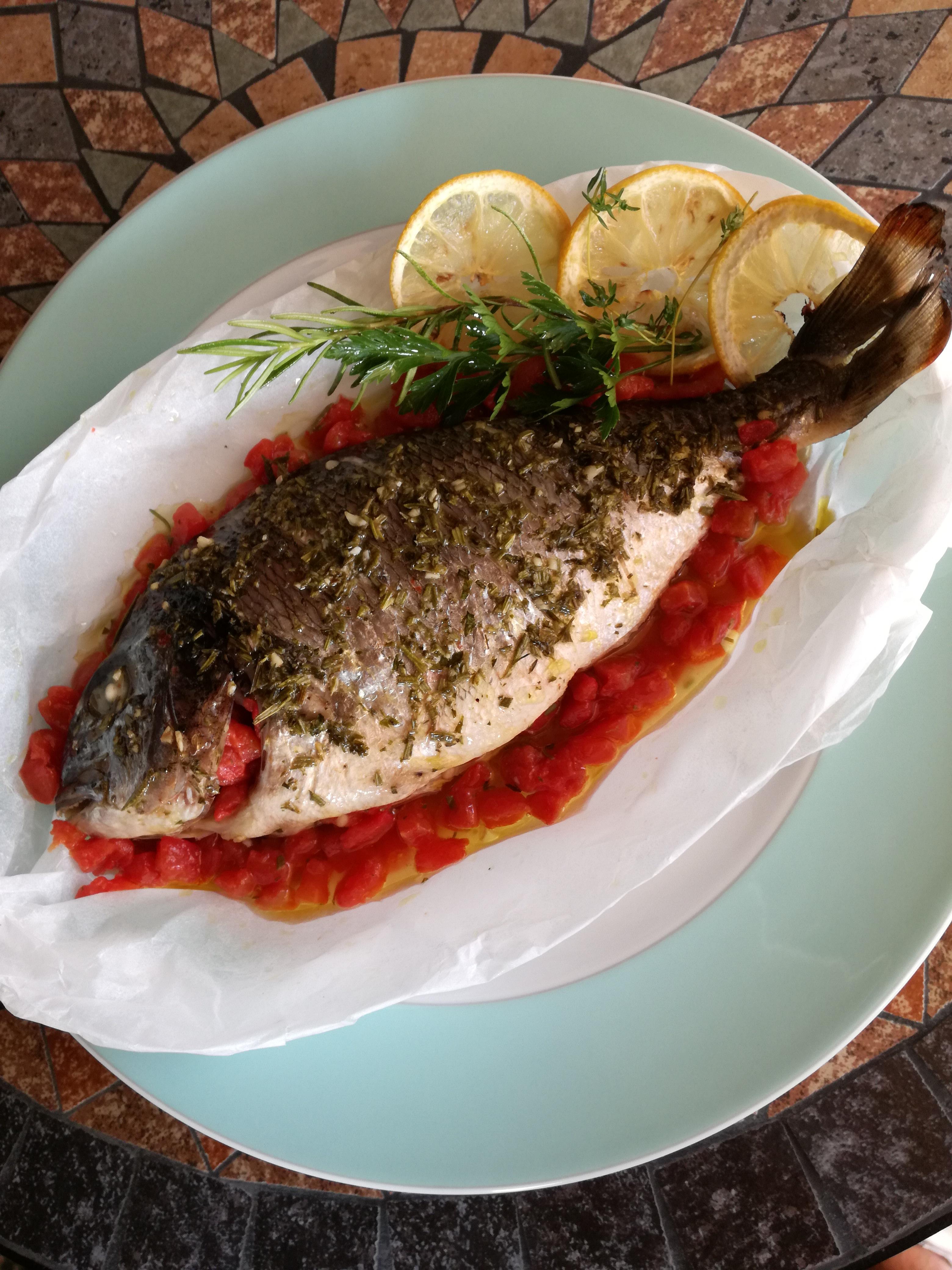"""Abruzzo In…cucina. Sapori di mare con la Prof. Antonella Petrella  """"Orata  al cartoccio con pomodorini"""" 653fcfbba90"""