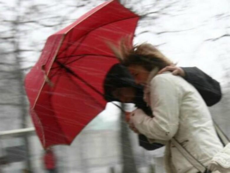 Marche.Allerta Meteo della Protezione civile: pioggia e temporali in arrivo