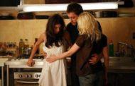 Estate e relazioni shok: Sindaco torna a casa e trova la moglie insieme ad un'altra donna