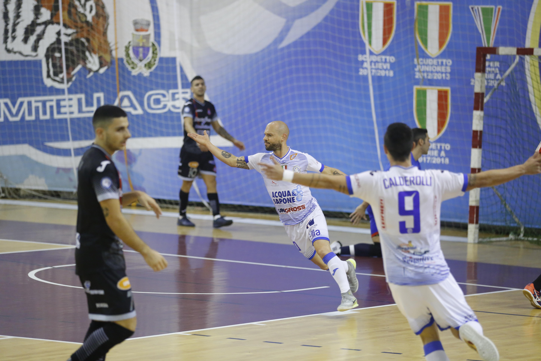 Calcio a 5. Acqua&Sapone Unigross: pari (3-3) con rimpianti contro il Pesaro