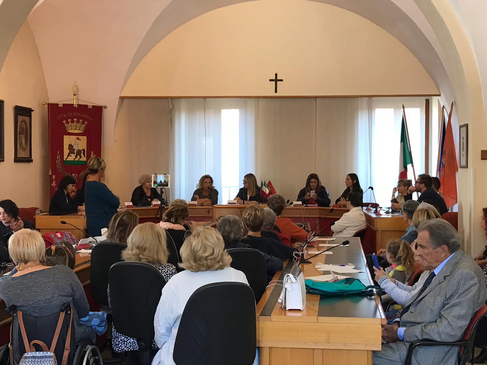 Giulianova. Venti anni di Commissione pari opportunità:celebrazione nella sala consiliare/FOTO