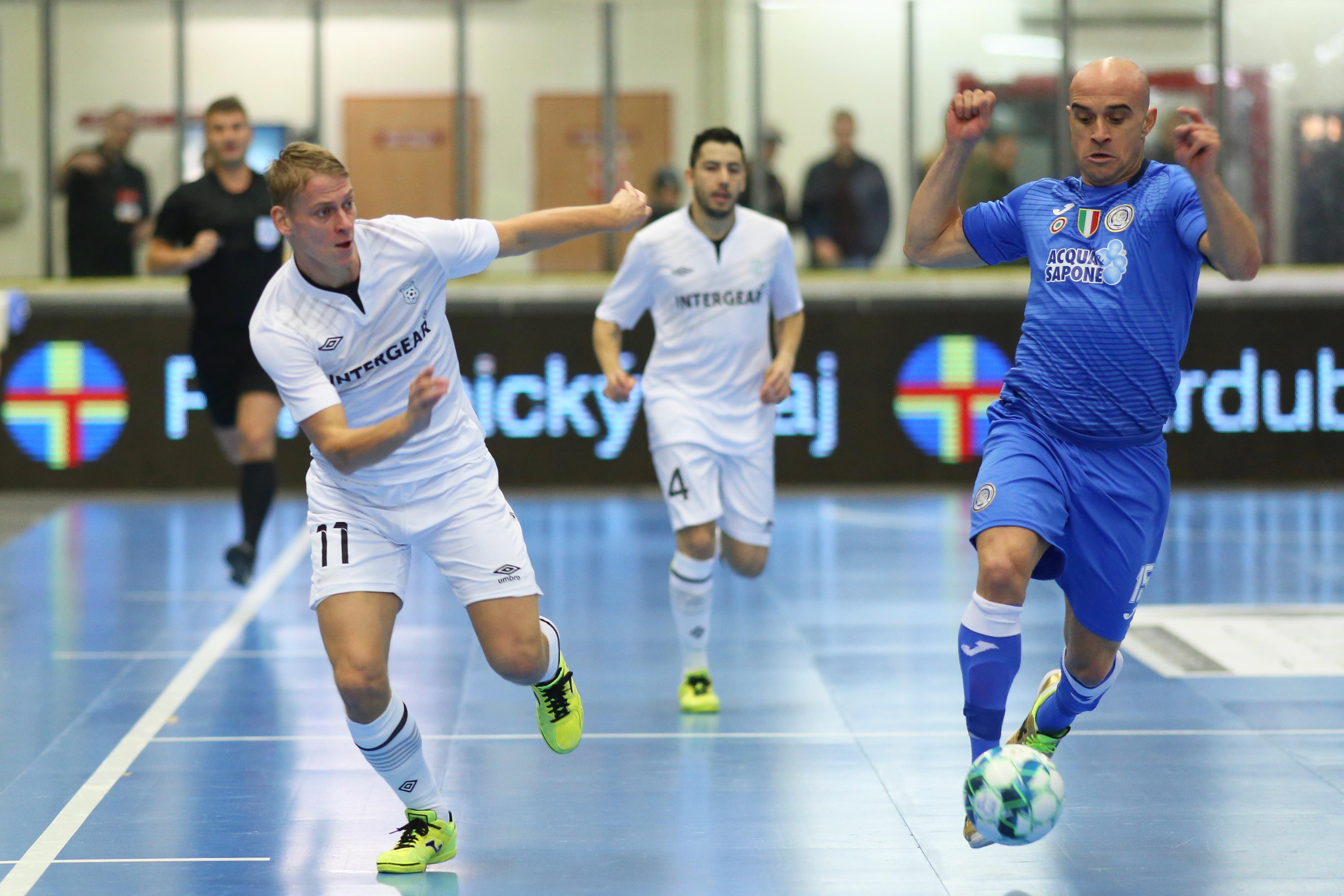 Con Lida A Il Elite Calcio Acquaesapone 5 Unigross In ultimo Assalto n7Zv486vqw