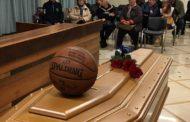 Roseto. Tanta gente e numerosi sportivi ai funerali di Vittorio Fossataro