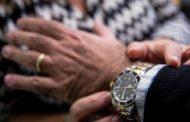 Truffa dell'abbraccio:  un altro Rolex