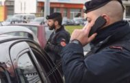 Fermato con l'auto piena di droga e arnesi. arrestati due giovanissimi pusher